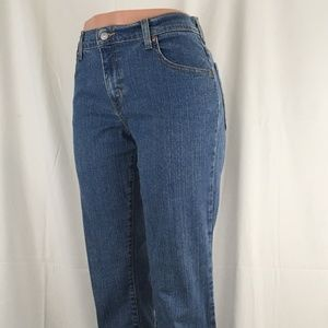 Levis 550 Relaxed Fit Boot Cut size 8M ( NWOT )